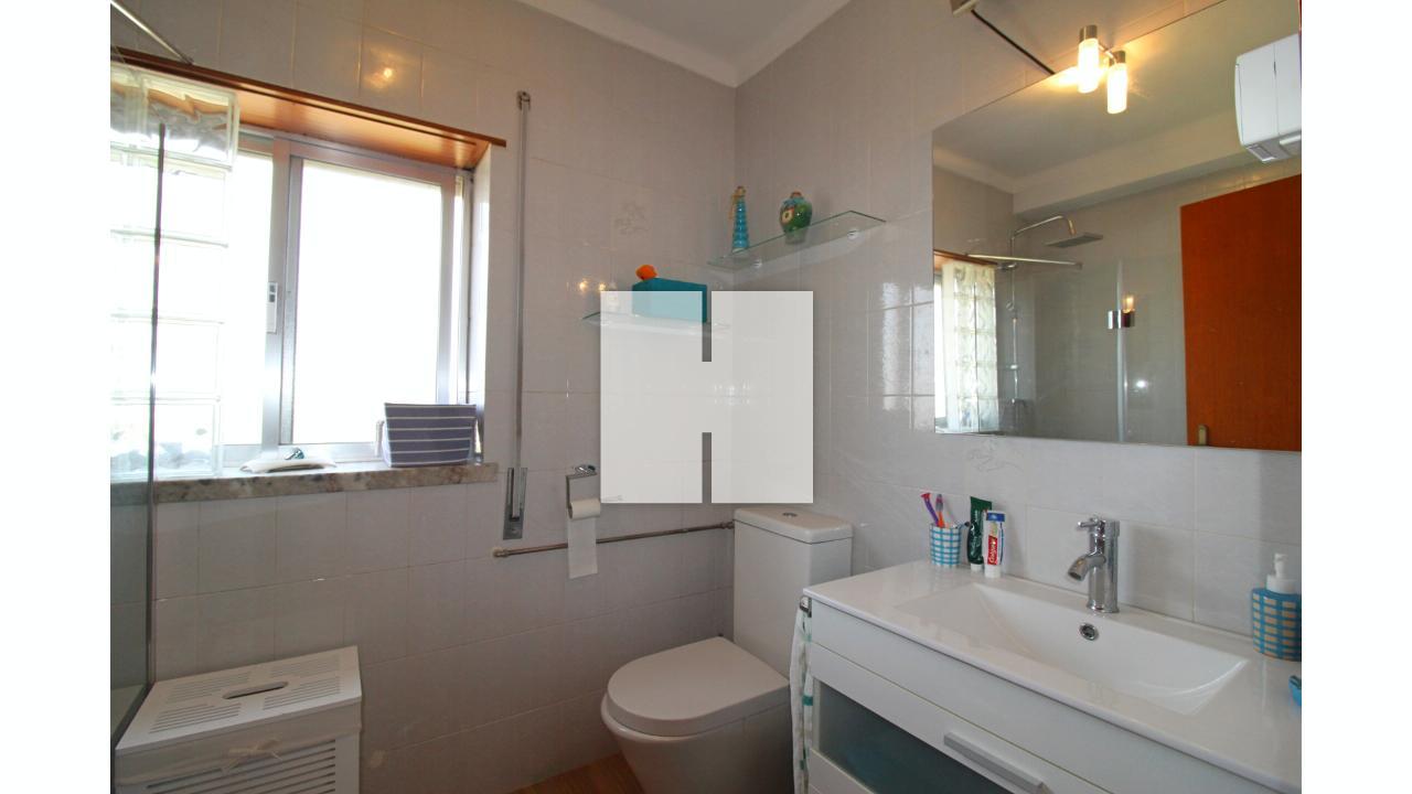 Apartamento T4 com Garagem  - Figueira Da Foz, Tavarede