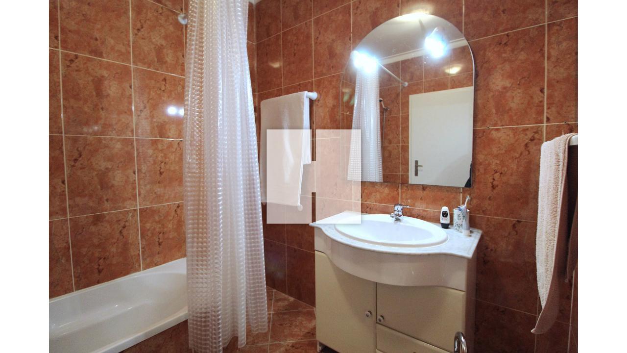 Apartamento T2 c/ Garagem e Arrumo  - Figueira Da Foz, Tavarede