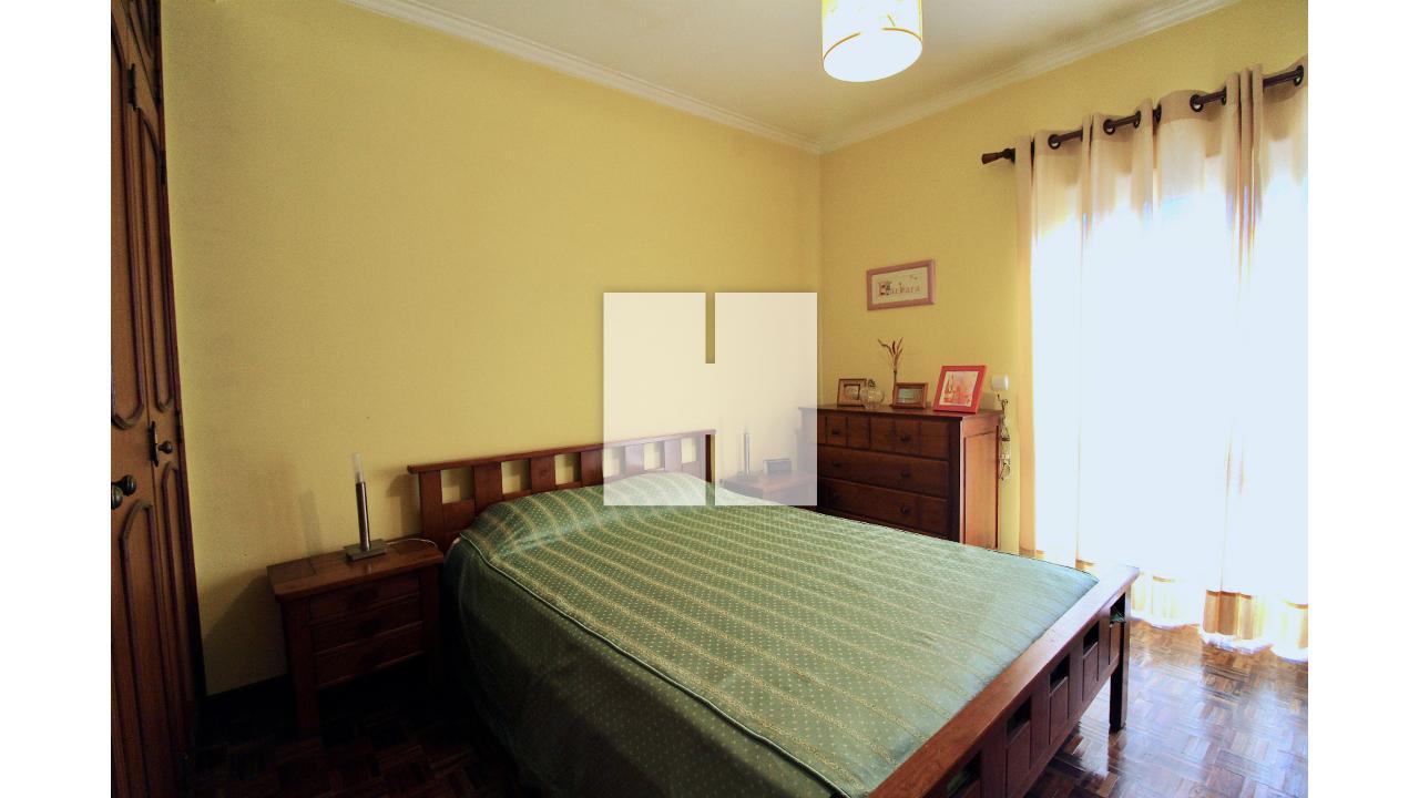 Apartamento T3 c/ Garagem e Arrumo  - Figueira Da Foz, Tavarede